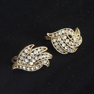 Vintage Trifari Clip Earrings